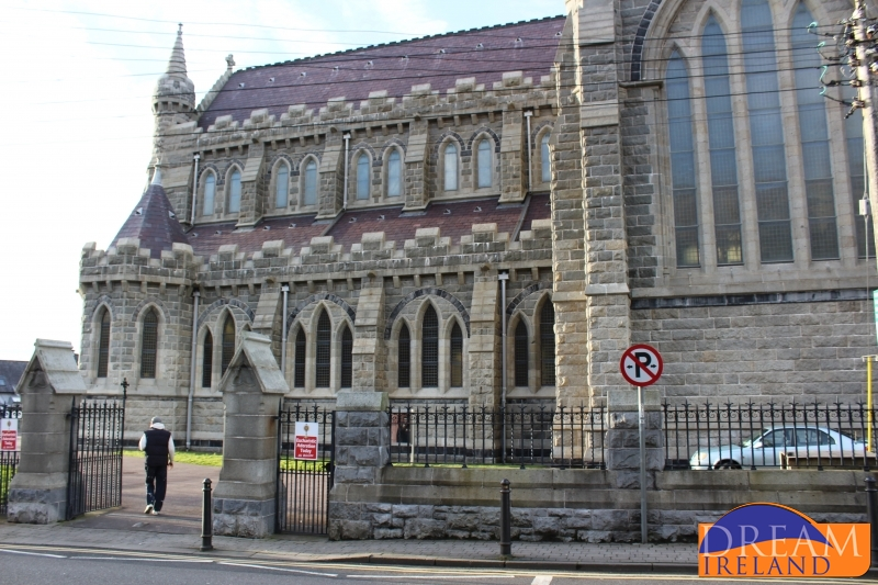 Asylum seekers continue calls to be moved out of Covid-struck
