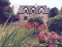 Mount_Brescia_Cottage_1_Westport